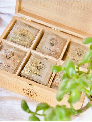Chic des Plantes ! Coffret en bois sur-mesure pour ranger ses infusions. 36 sachets à ranger.